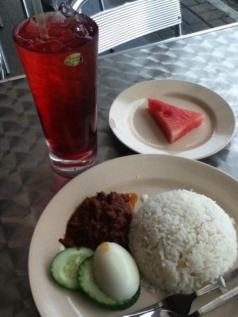 Nasi Lemak RM 4