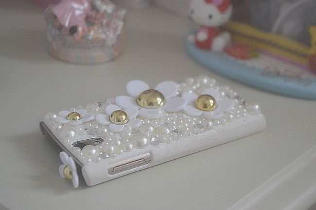 daisybutter - UK Fashion Blog: diy, dekoden phone case, cachobon phone case, etsy, daisy marc jacobs, review, what i did, how to