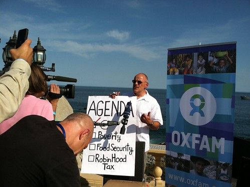 Oxfam's Jörn Kalinski gives an interview of Oxfam's G20 Stunt