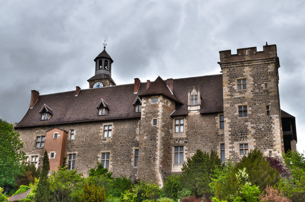 château de Montluçon... [EDIT] sans la barrière bleue 7396671666_b7a6f589a5_b