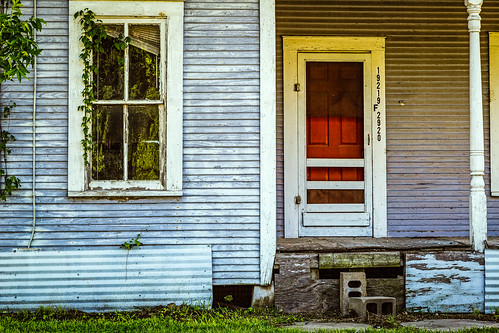 door wood old red house abandoned home window us texas unitedstates decay porch derelict tomball venetianblind