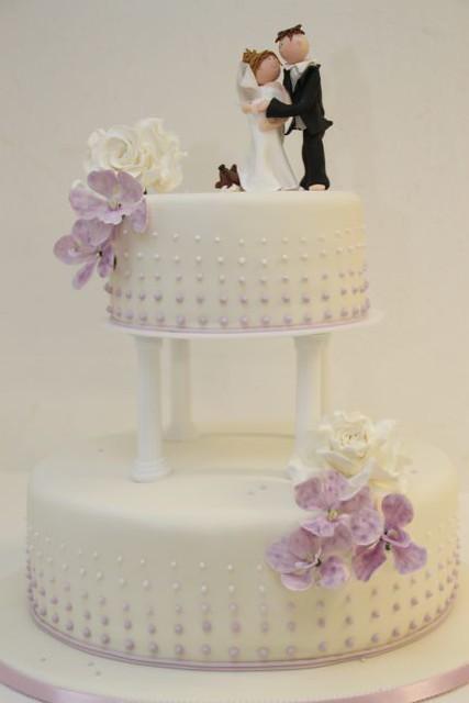 ... Hochzeitstorte auf Säulen lila orchideen  Flickr - Photo Sharing