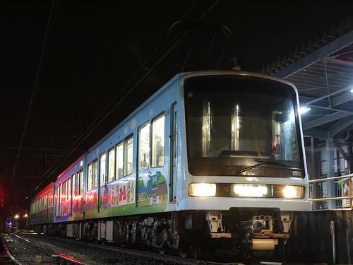江ノ電2003F+22F稲村ヶ崎行き最終電車@長谷