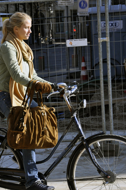Amsterdam cycle chic Blondie in the sun by Aude