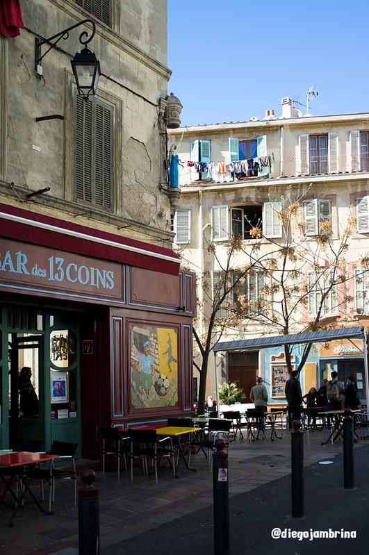 Terrazas en el casco antiguo de Marsella