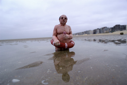 Waiting for climate change by Isaac Cordal