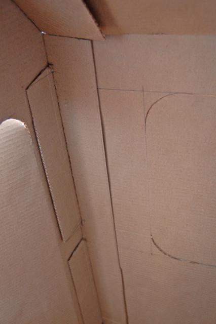 Cardboard house_004