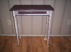 spindle leg table