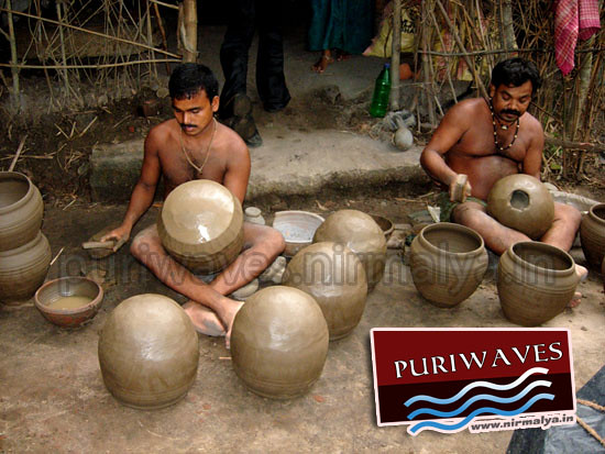 Making of earthen pots for Abadha ( Mahaprasad )