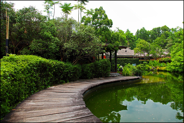 samira-lake-entrance