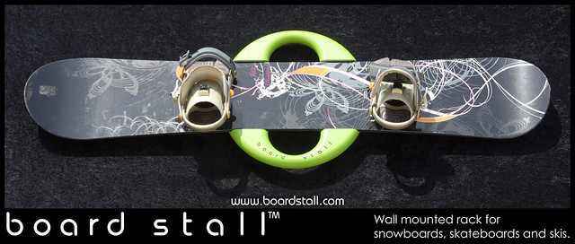 Board Stall wall mounted rack for snowboards, skateboards and skis ...