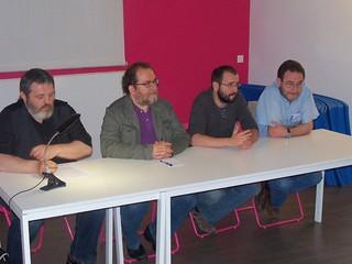 P. Miguel, Ch. Yuste, J. Romance y Ch. Aragüés, presentando 'A gollada d'o bosque'