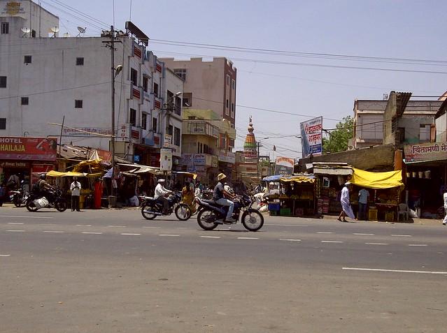 Road to Uruli Kanchan Village - Visit Tej Platinum, Kanchan Vrundavan & Dreams Nivara at Uruli Kanchan, Pune Solapur Highway, Pune 412 202