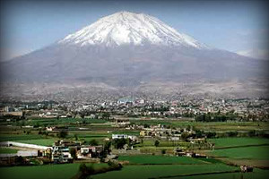 volcan-misti-ciudad-de-arequipa-peru