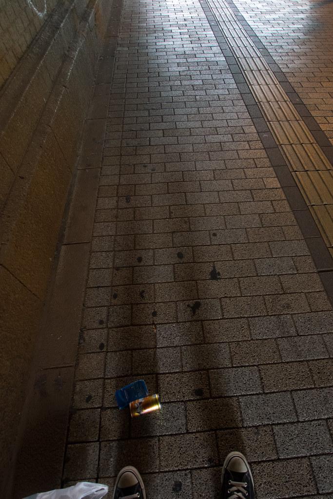 影と空き缶 2012/06/05 OMD51043