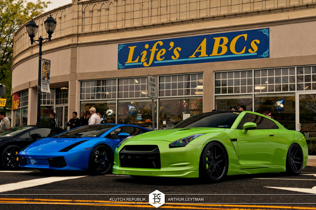 green nissian GTR and blue Lamborghini at glen cove gtg