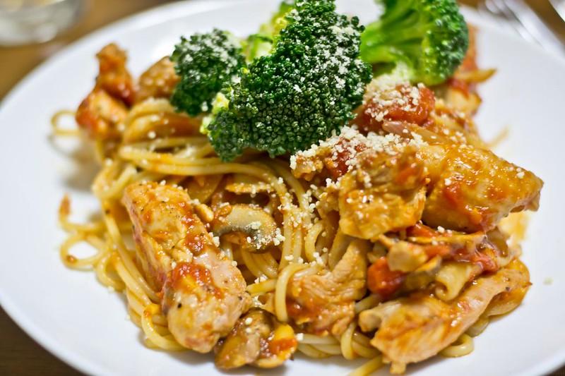 鶏のトマトスパゲッティー