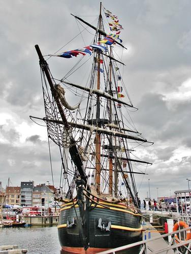 Bounty (03) Oostende voor Anker 2011 3 Foto's - 3 Photo's