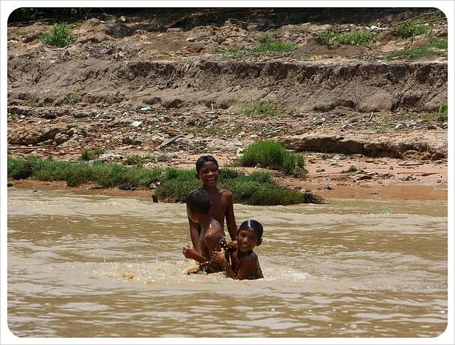 Cambodia kids have bathing - YouTube