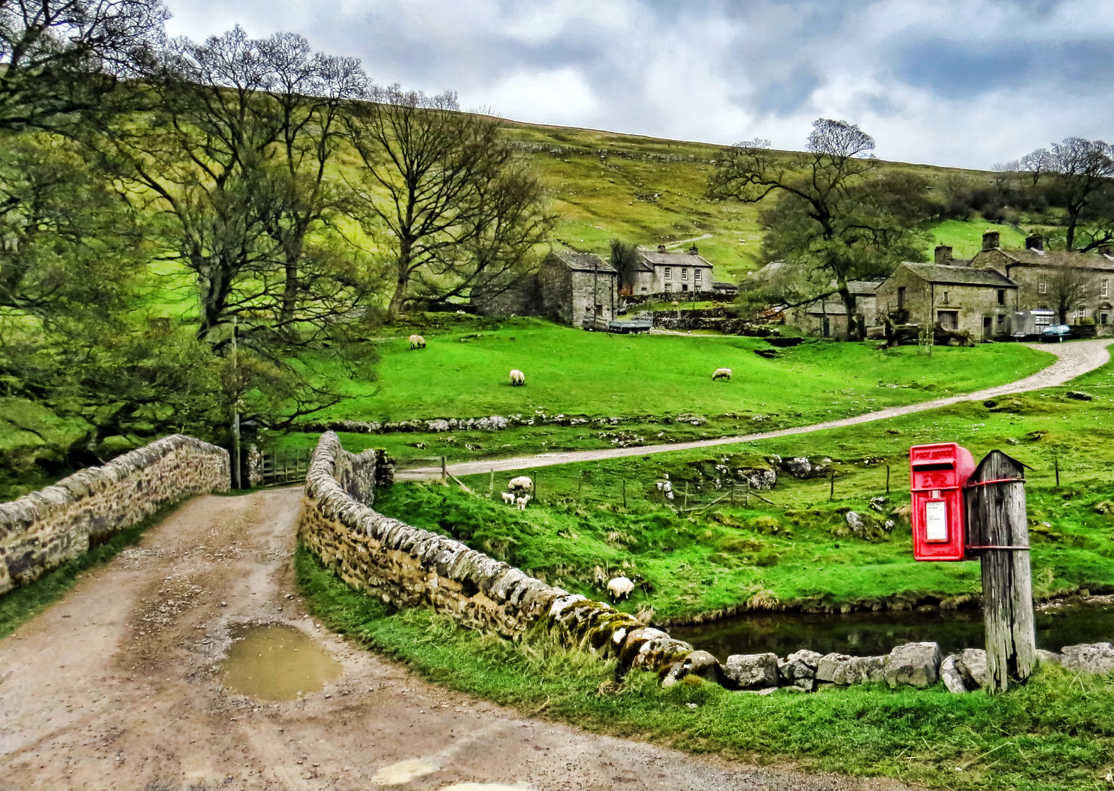 Yockenthwaite is a hamlet in the Langstrothdale valley in the Yorkshire Dales. Creit Alison Christine