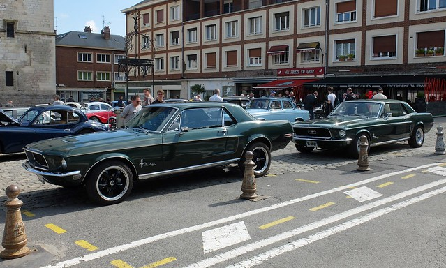 Paire de FORD Mustang 1968 vertes
