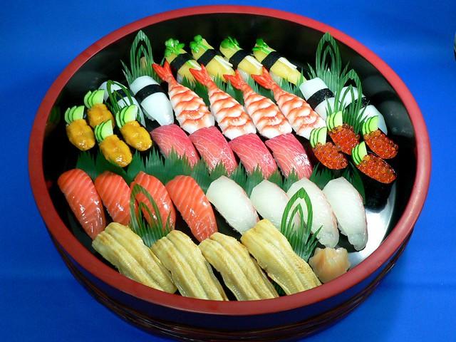 Assorted Sushi for 4 Replica 握り桶(四人前) 食品サンプル