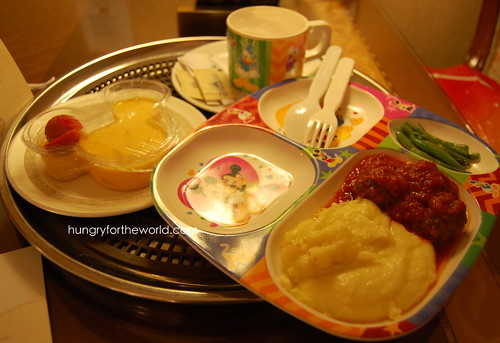 kiddie meal at disneyland hk