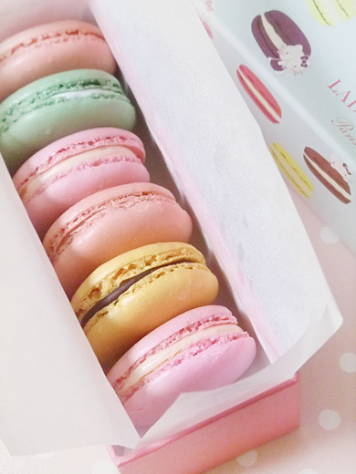 Laduree x Hello Kitty 3