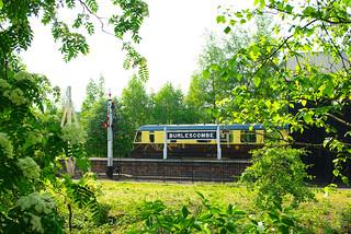 RD5989  GW Diesel Railcar at Didcot