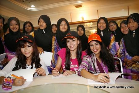 Fiffi Natasya, Siti Saleha, Ezlynn & Al-Mawlid Rai Anak Yatim
