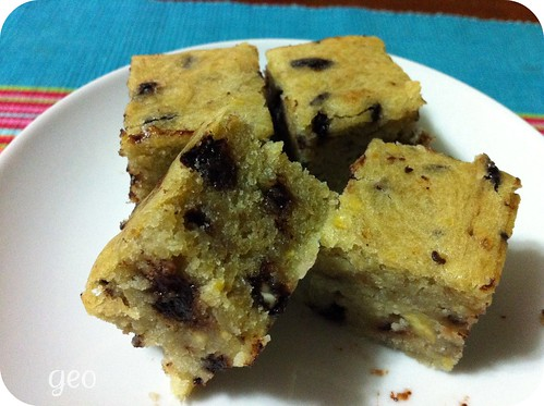 Moist banana choco chip cake