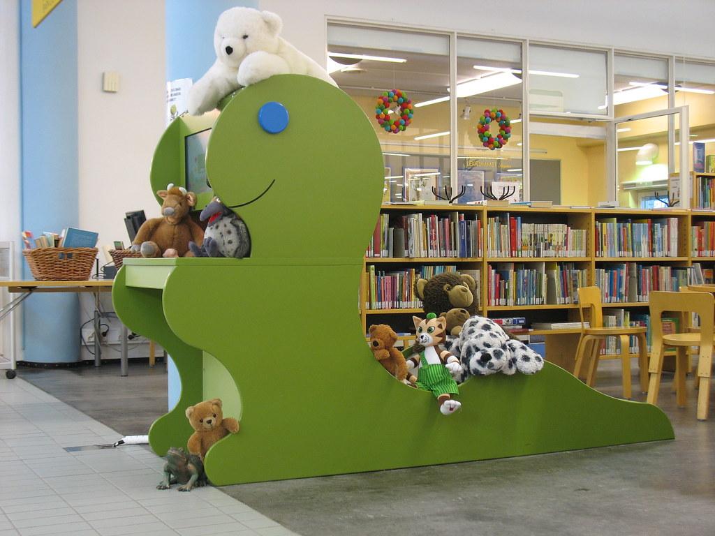 Kauniaisten kirjasto - Grankulla bibliotek's most interesting Flickr photos | Picssr