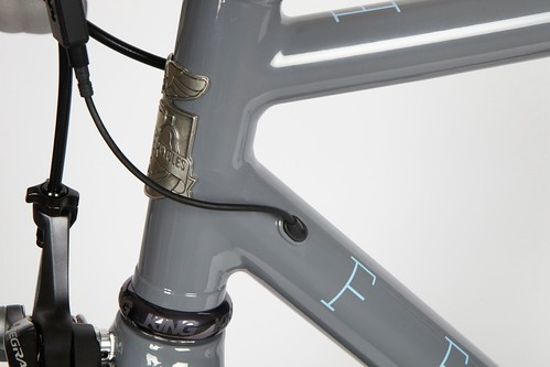 Di2 wire routing