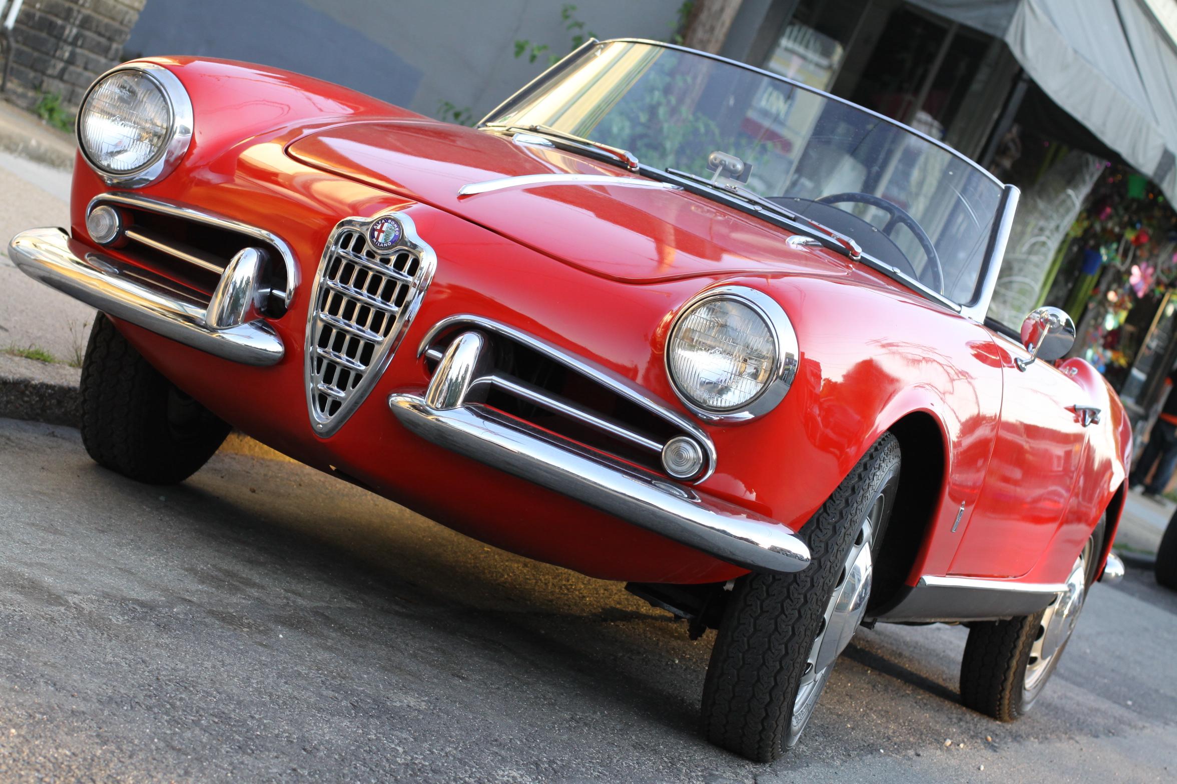 Gallery For > Alfa Romeo Giulietta Spider Veloce