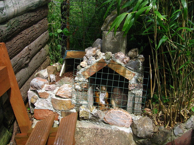 Garden grotto under construction flickr photo sharing for Garden grotto designs