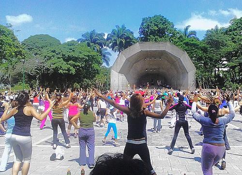 Bailando en El Parque del Este en Caracas
