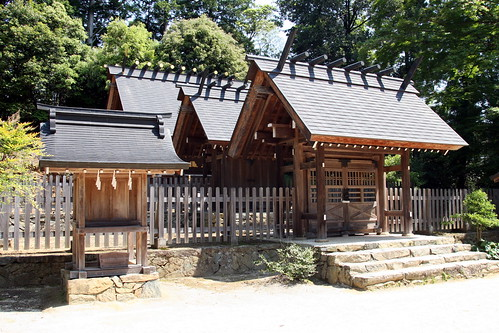 Authenticopy of Ise Shrine by timtak