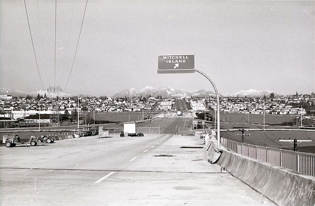 Knight St. bridge construction
