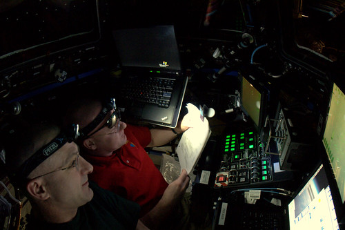 Teamwork in the Cupola during Dragon approach.