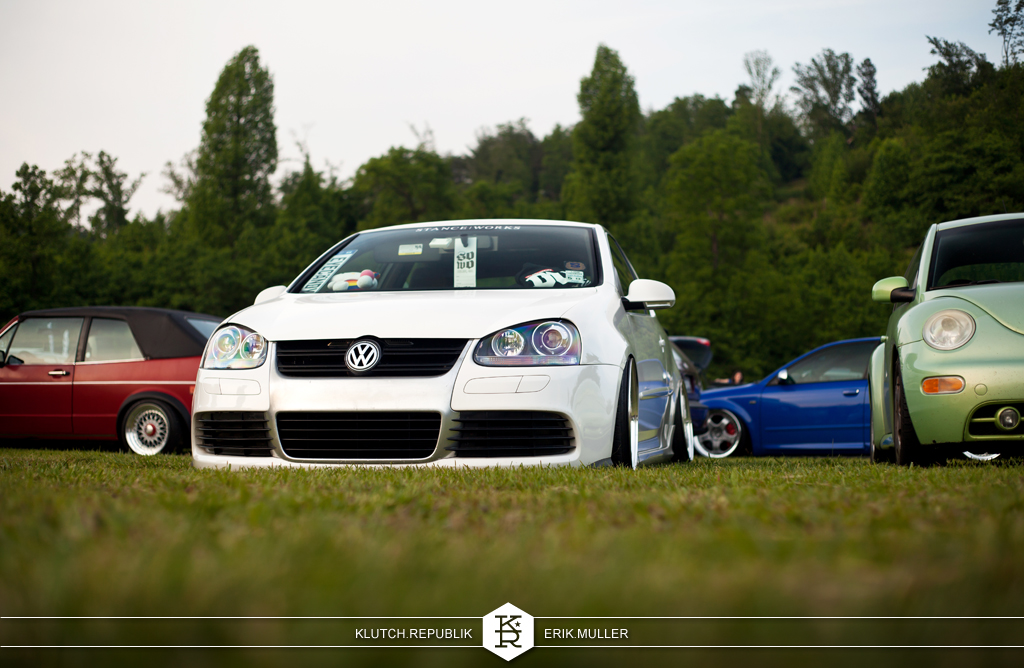 white mk5 vw gti on airride at southern worthersee 2012