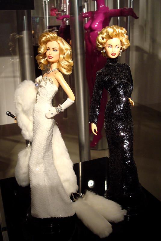 Мадонна и Барби: выставка Magia2000 в Италии