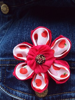 Double-layer kanzashi brooch