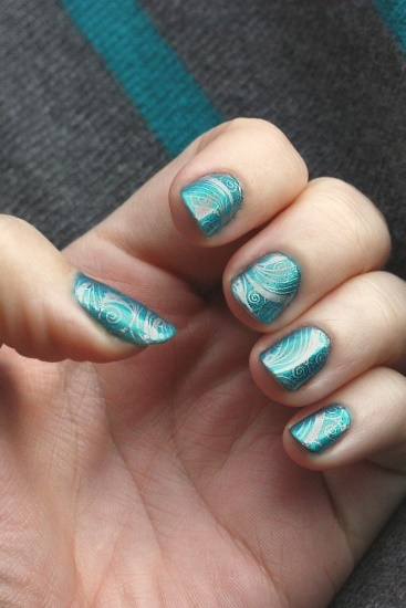 Teal Spiral nails, 1