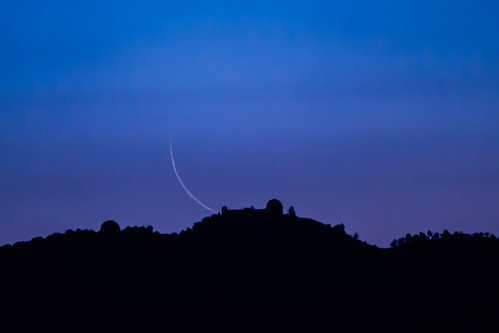 california moon sanjose crescent moonrise bluehour lickobservatory mounthamilton