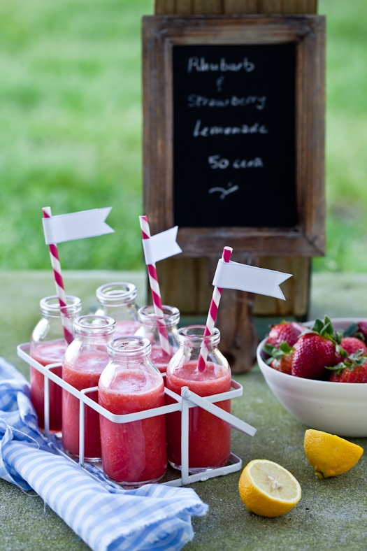 Rhubarb Strawberry Lemonade