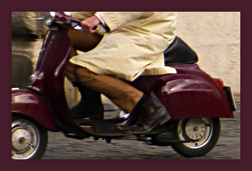 purple Vespa by amoredimamma