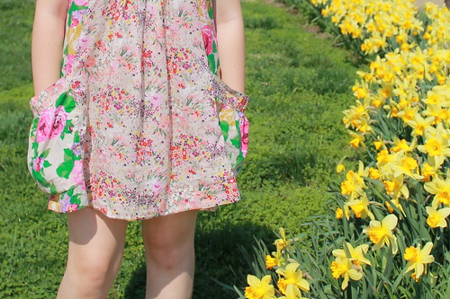 Flowers outfit: Floral dress with H&M Garden Collection, Prada baroque sunglasses, gladiator sandals from Target