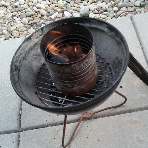2012.04_coffee can chimney starter for grilling