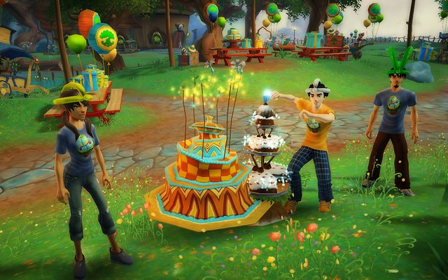 Free Realms - Birthday Hat