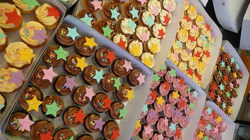 1000th Student Celebration by CAKE Amsterdam - Cakes by ZOBOT
